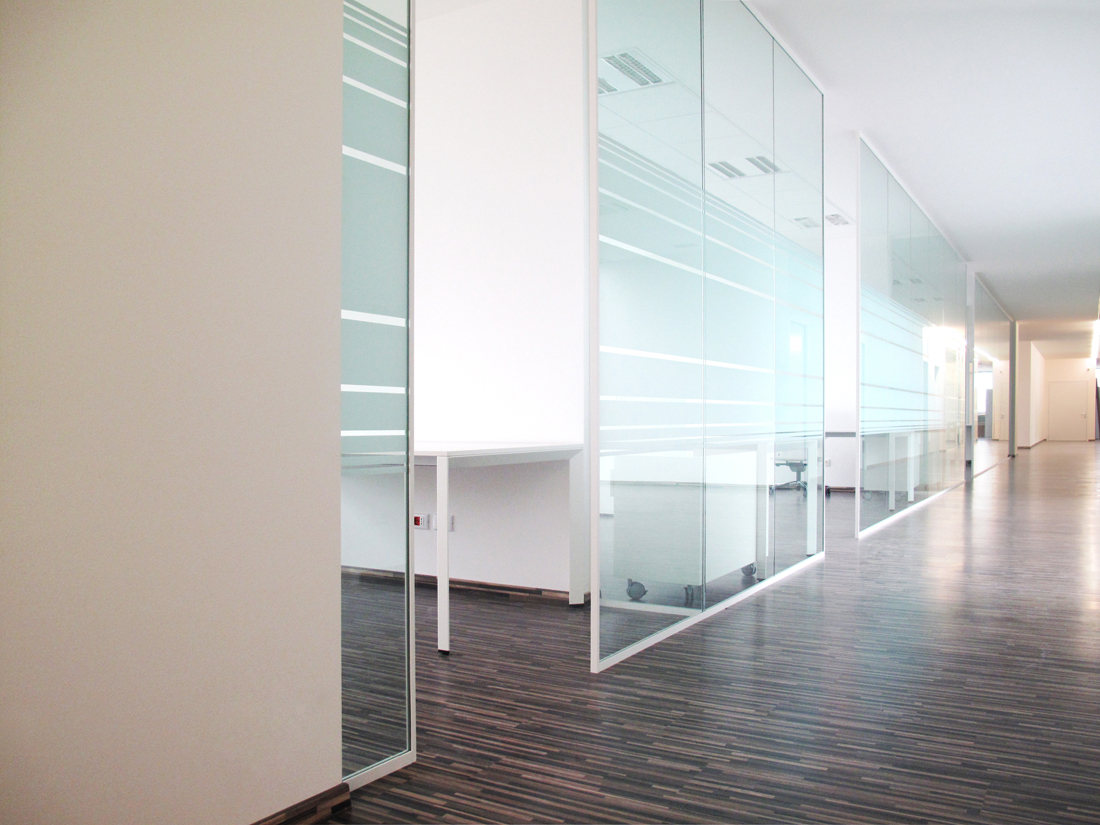 pareti mobili divisorie in vetro mobili ufficio design in legno ... - Pareti Vetrate Uffici