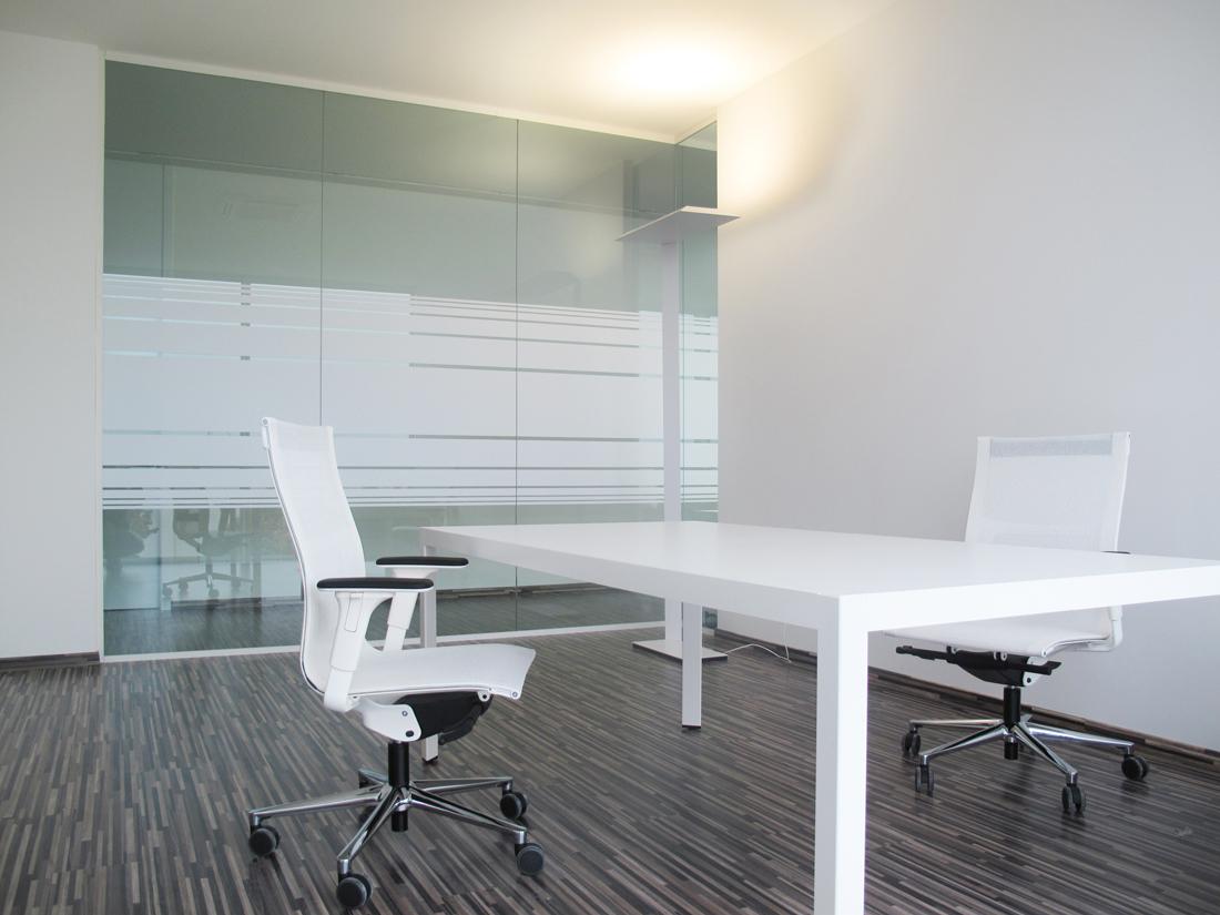 Elegant in vetro mobili ufficio design in legno vetrate - Scrivania in vetro ikea ...