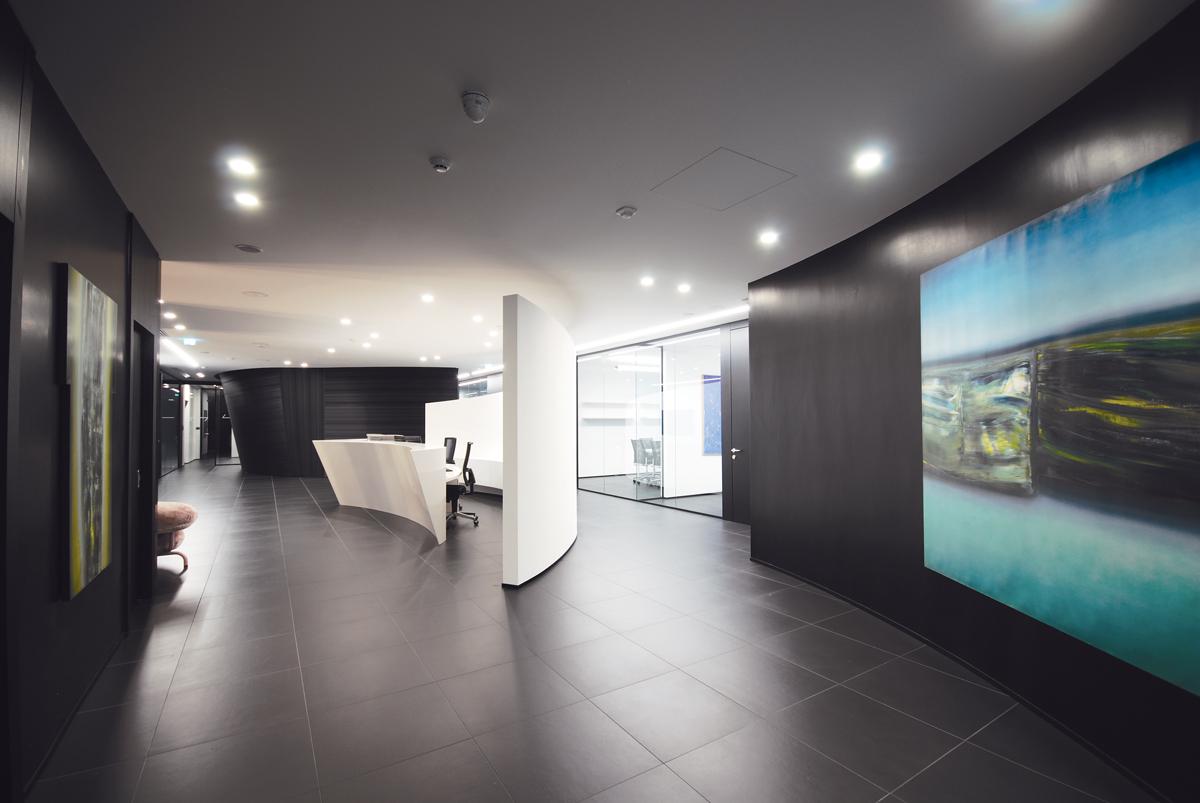Pareti mobili divisorie in vetro mobili ufficio design in for Scuole di design di mobili