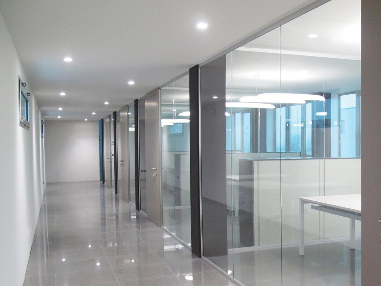 Pareti mobili per casa pareti vetrate scorrevoli per for Pareti divisorie in vetro per interni casa prezzi