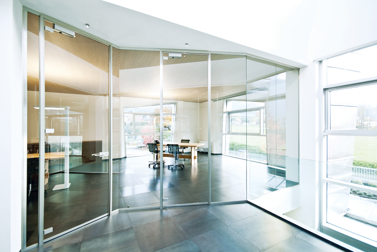 Pareti divisorie in vetro per ufficio, vetrate di design, classiche ...