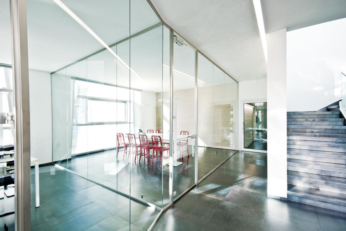 Pareti Di Vetro Prezzi : Pareti divisorie in vetro per ufficio vetrate di design