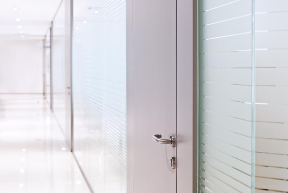 pareti-mobili-divisorie-in-vetro-mobili-ufficio-design-in-legno-vetrate-attrezzate-attrezzata ...