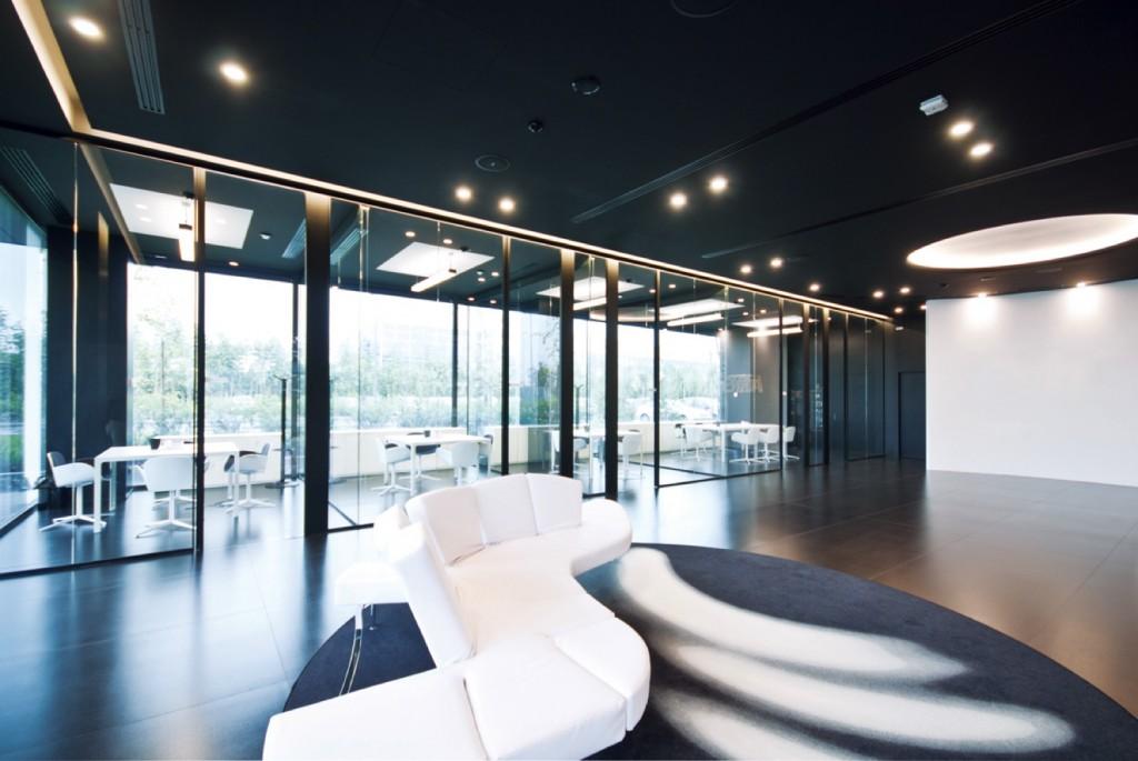 Pareti divisorie mobili attrezzate per ufficio in vetro e for Uffici moderni