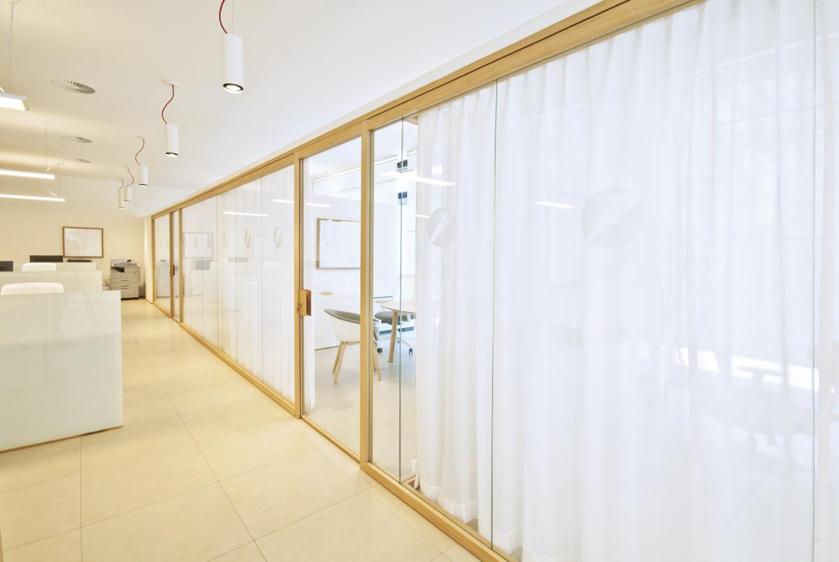 Pareti divisorie in legno per ufficio di design classiche e moderne produzione e - Pareti divisorie in legno per interni ...
